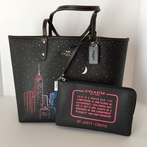 Coach Reversible City Tote New York Skyline Print